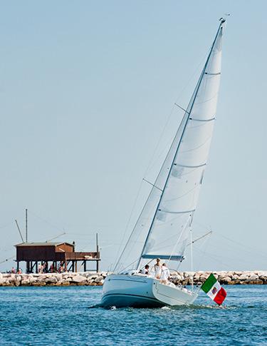 IY 10.98 Italia Yachts